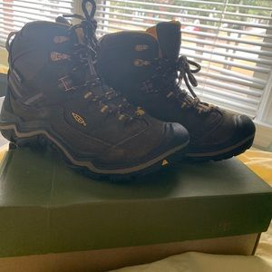 KEEN hiking boot - women waterproof Durand mid